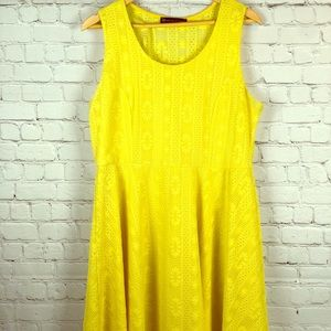 2/$40 1x Yellow A-line dress with lace detail💛